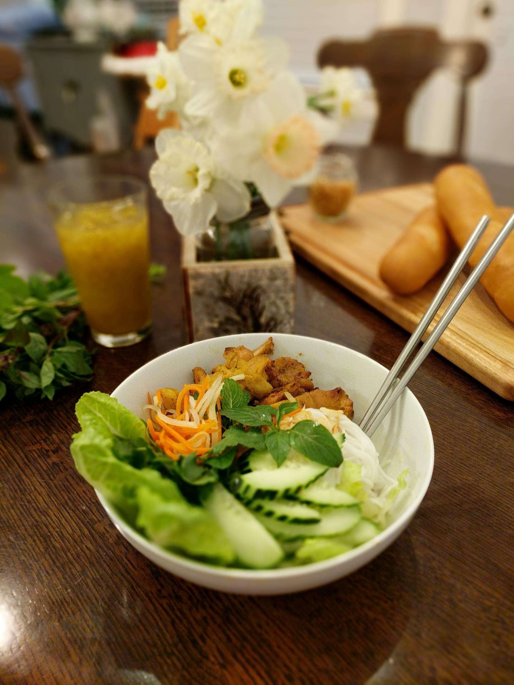Bun-Mi-Grilled-Chicken-Bowls-005