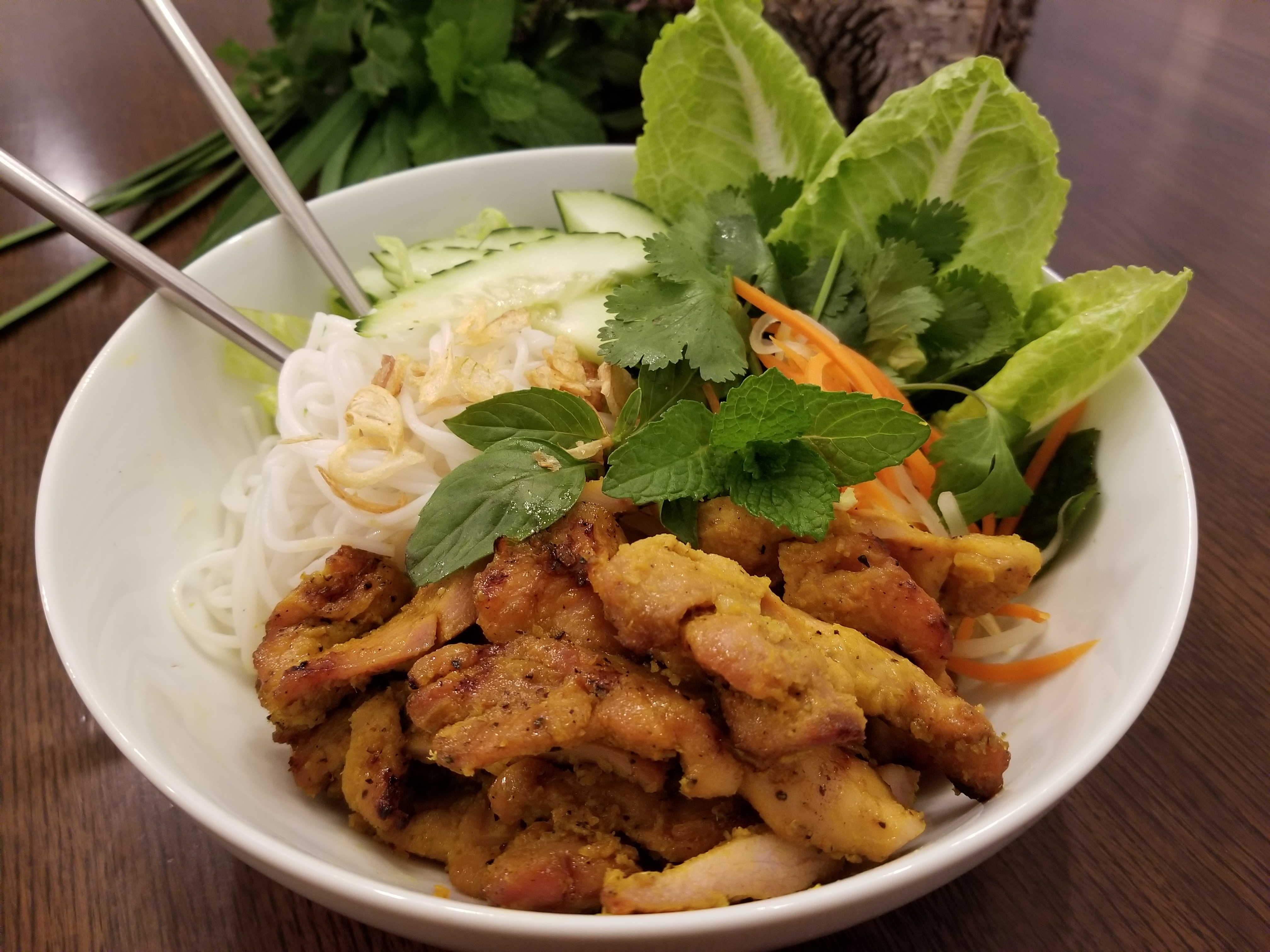 Bun-Mi-Grilled-Chicken-Bowls-006
